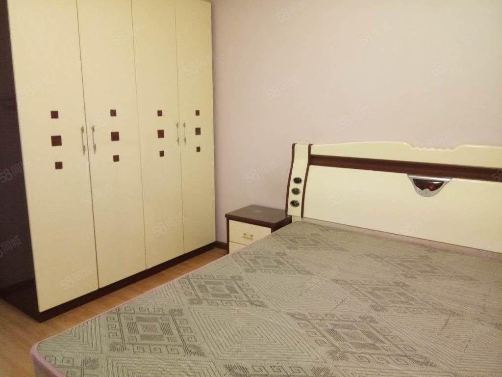 东风路亨星锦绣城附近两室全配拎包入住