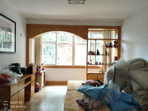王家村社区大套四户型出租可以合租超便宜位置超好