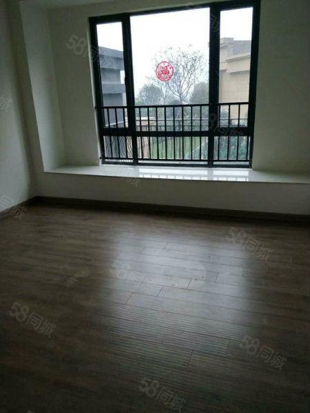 姚电大道与亚星路附近碧桂园1楼153平3室2厅2卫带花园