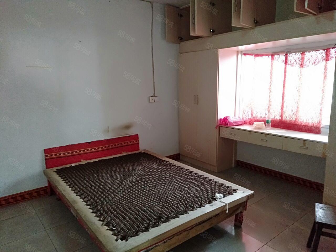 南门口紫荆花园4楼2室2厅也可租4室2厅简单装修