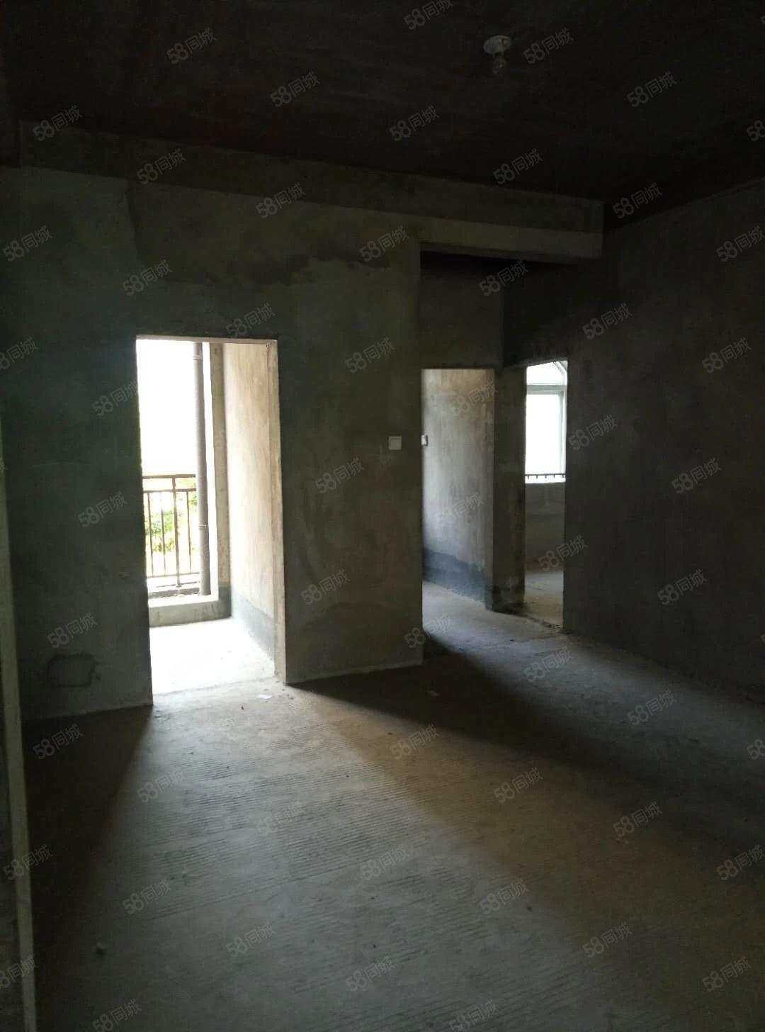 御景园洋房一楼带院,花园100平,超大地下室,采光充足