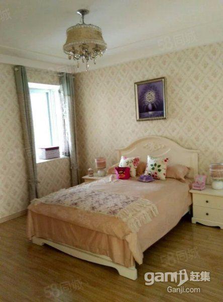 万达东临东南华城一室一厅干净家具全拎包入住
