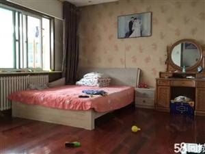 博物馆附近4楼两室两厅全齐1200每月很干净