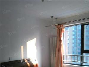 万达公寓50平精装修,可月付1500。