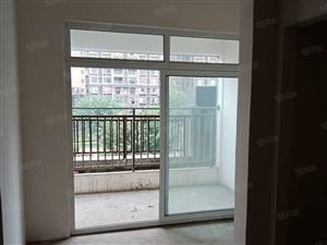 满两年首付21万客厅有阳台卧室有飘窗赠送两个小平台