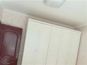 新房源中南世纪精装套2,家具,家电全初次开租1800啦有钥匙