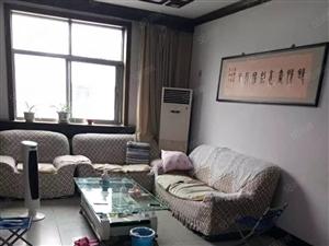 威尼斯人游戏网站桂园东区3室2厅130平米精装修年付
