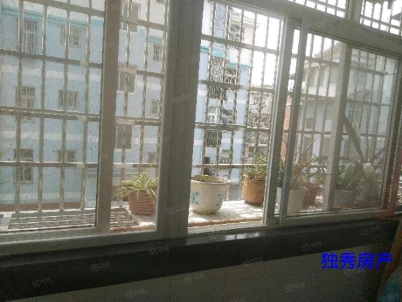 梅小附近县医院旁东门小区75两室一厅拎包入住光线充足