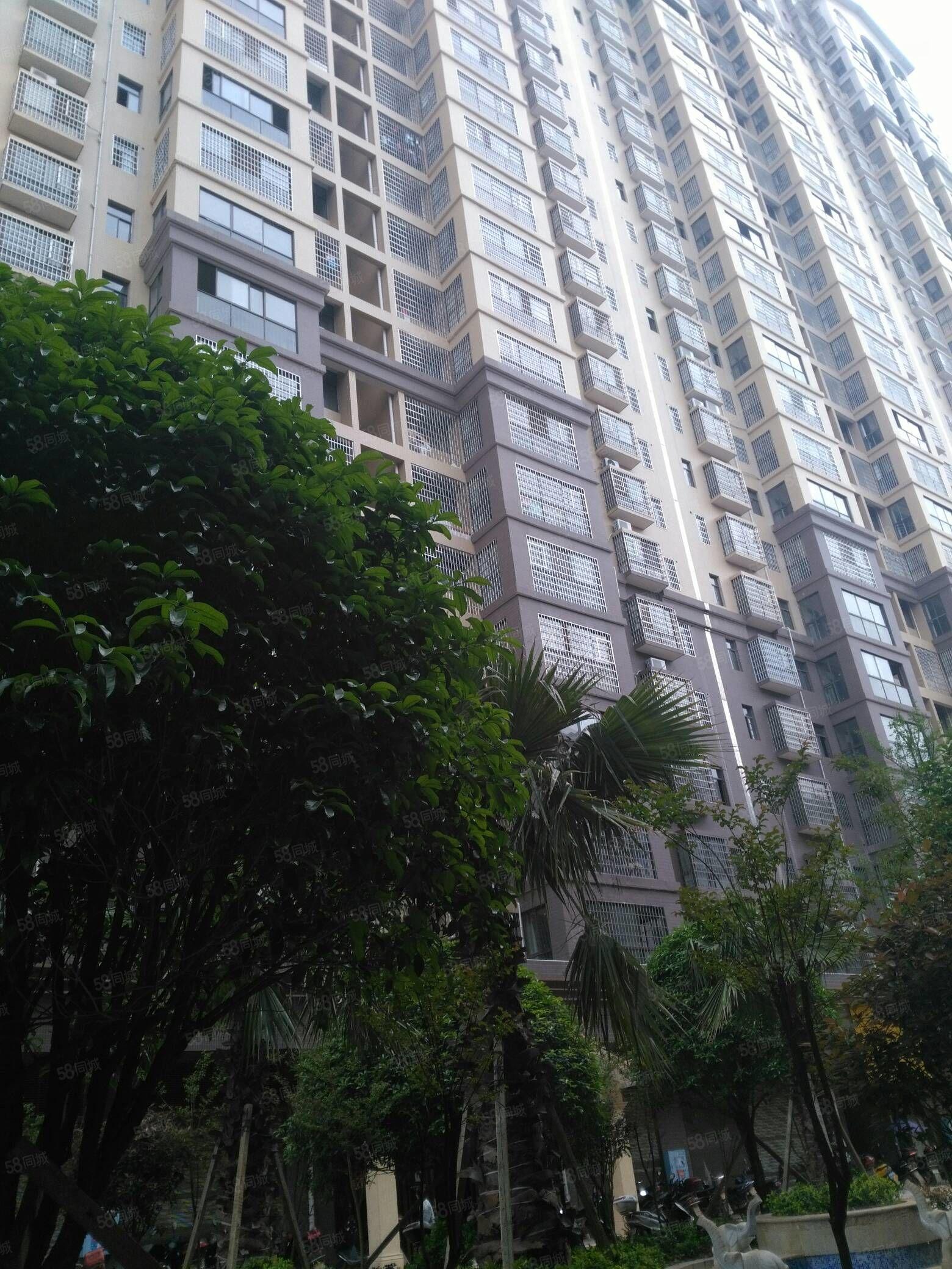 盛世宏城19栋23楼,136平三室二厅二卫不动产证49.8万