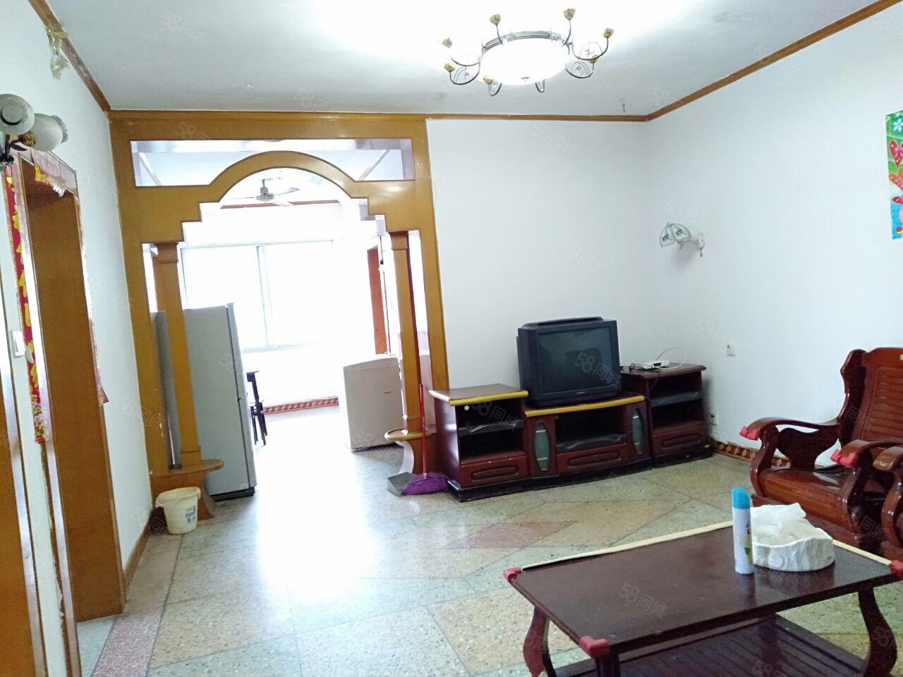 东街3室2厅110平米家具电器齐全拎包入住随时看房入住