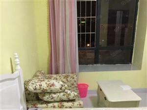 万达中央华城B区大单间大卫生间包物业网络床二米沙发家电全齐