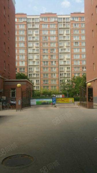 朝阳二路博尚新都两室送露天阳台50平方