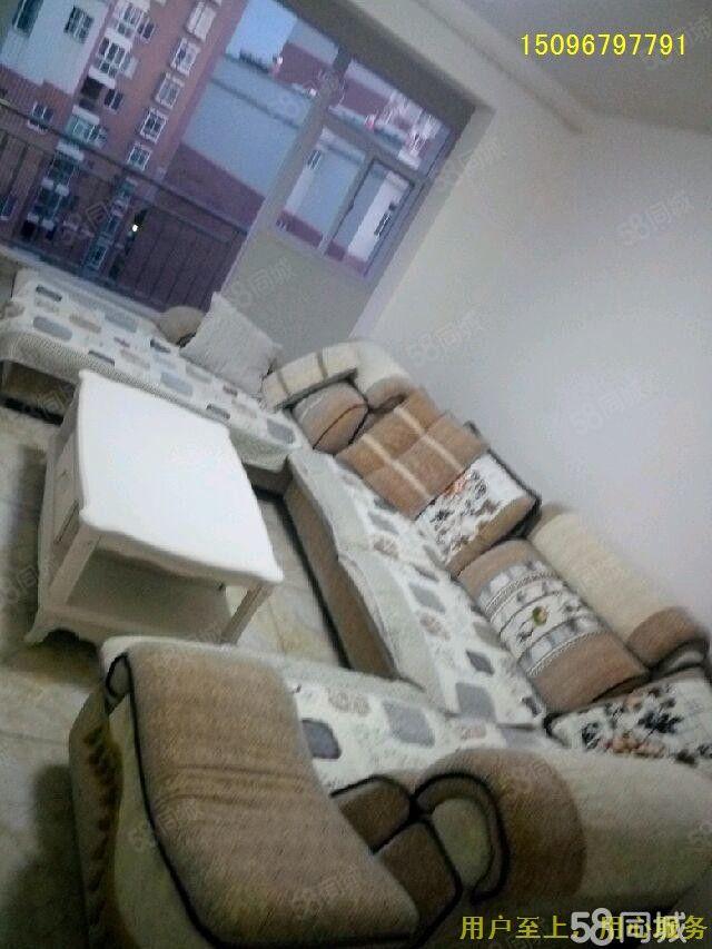 景兴苑900元3室2厅1卫精装修,超值精品,随时看房