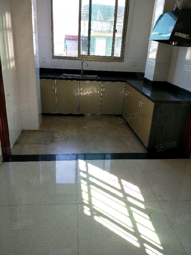 古溪村标准2房自租900元/月位于新移动大楼旁