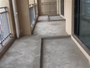 光谷东红莲湖恒大高尔夫城+大三居赠送三个阳台+首付仅需26万