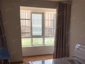 市政府旁盛世家和5室200平精装年付2万