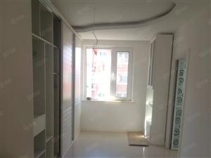 勃船家园,138平新装修一天没有入住3室2厅2卫,80万。