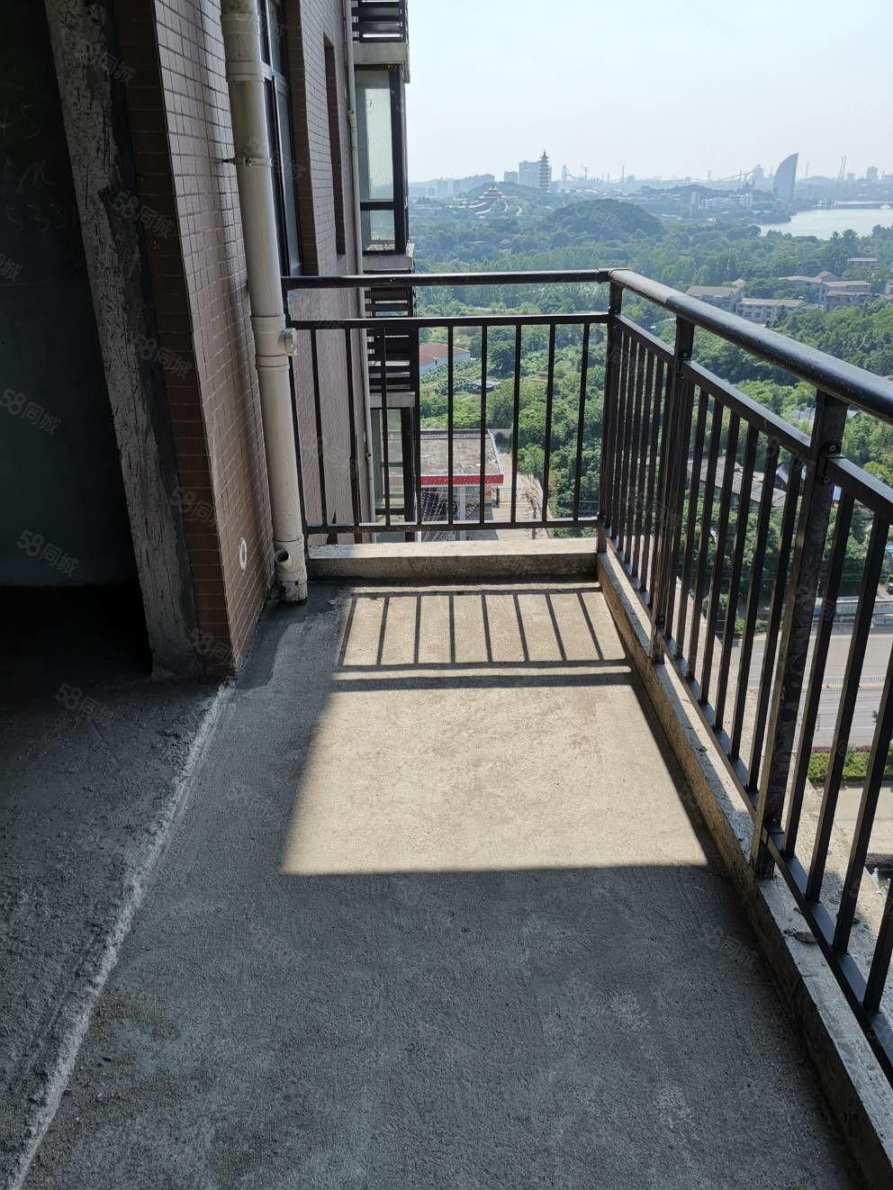 三面采光毛坯电梯银海龙城单价7600