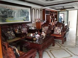 国兴大道日月广场对面国瑞城豪华装修实木家具5房只要13000
