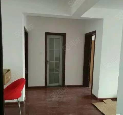 望湖新城2室2厅,精装修,周边环境好,拎包即住。