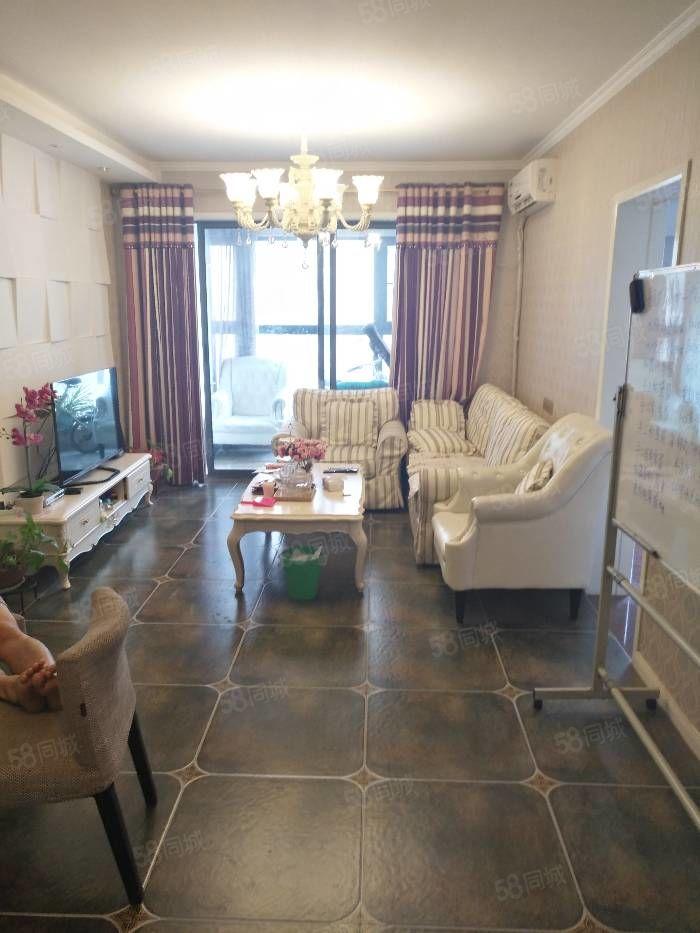 京广路航海路地铁口鞋城旁多层三楼环境号可停车买三房送一房