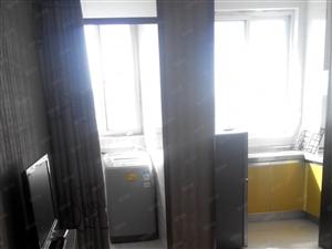 二大街管委会隔壁临公交站家具家电齐全标准间随时看房