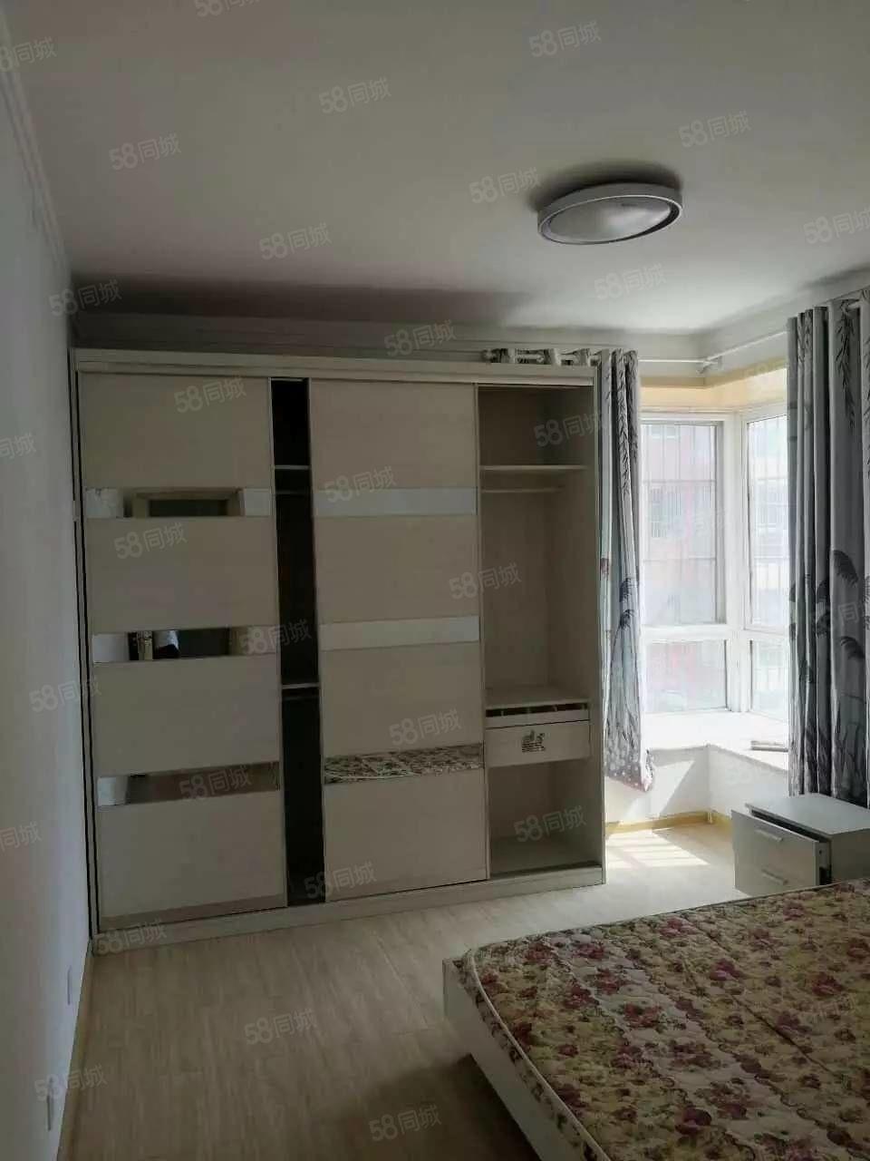 人大小区精装四室、家电齐全、拎包入住