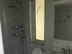 锦峰苑多层3楼2室精装修,家具齐全拎包即住,里面干净清爽