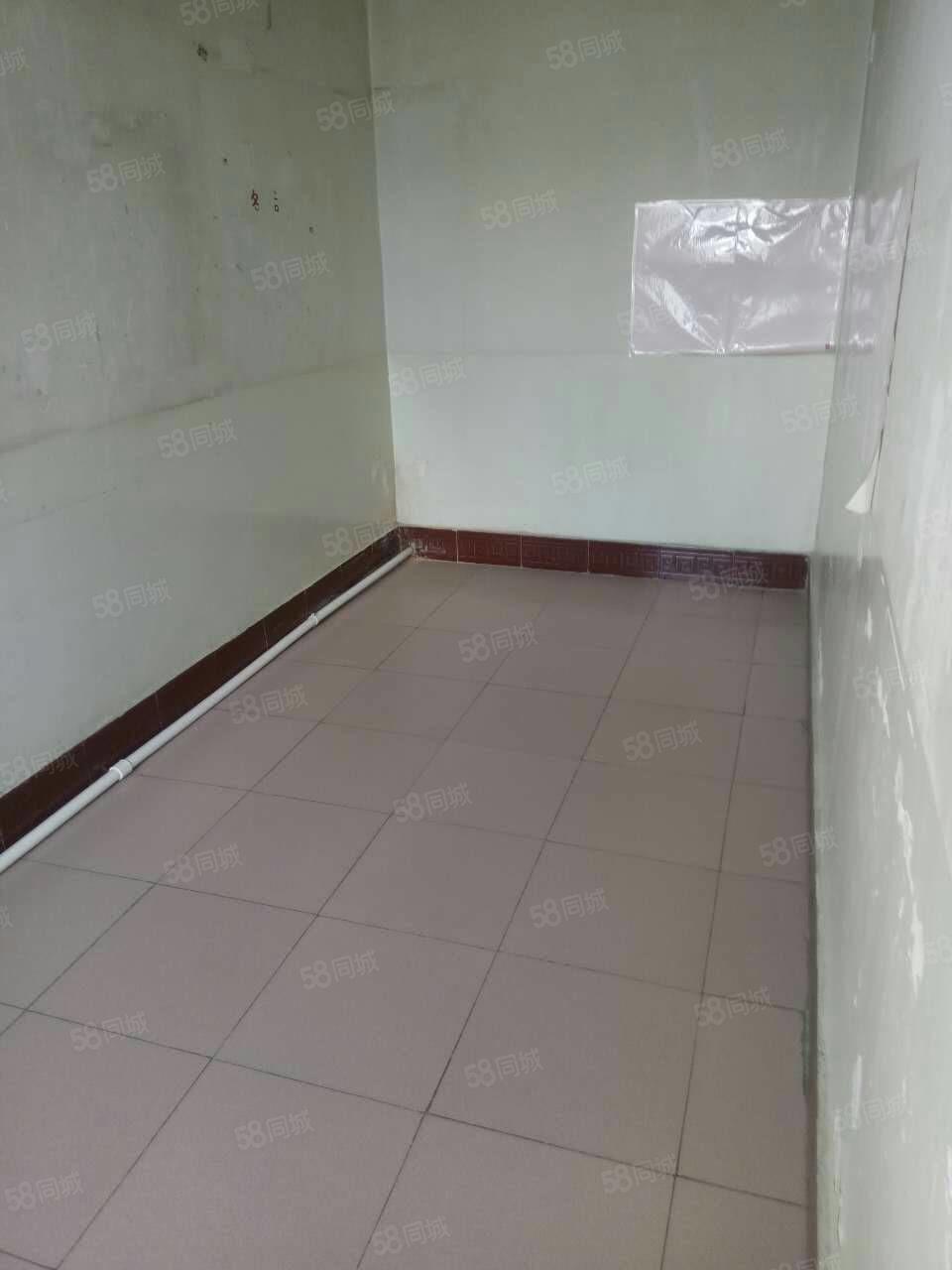 此房120平米,福利房,大开间价格低