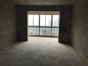 中天公馆大三房三面采光不动产权证办理中可留部分尾款