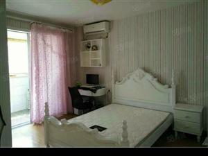 市中心琴海豪庭大两房精装修家具家电齐全拎包入住