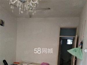金桂二期三楼带车库,90平米,新装修未住,两室两厅,现空房能