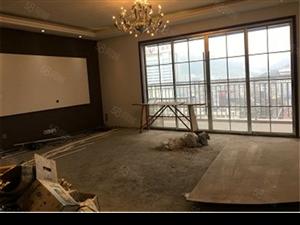 乐家房产文艺路大户型197平米全新房子只差铺地板