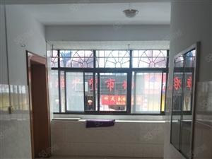 阳光外滩3室2厅1卫,临近三小菜市场空房出租年租1.3万
