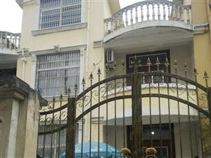 汤王大道幼儿园里别墅2间3层位置好出路好无证