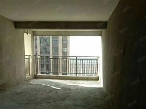 百树学校滨江一号紫金名门旁托斯卡纳毛坯大三房。小区环境优美,