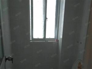 尚城国际3室简单装修。商住两用。可半年付。购物近