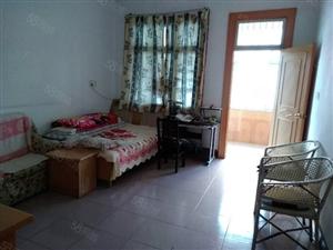 霍邱县城关镇农行宿舍楼两层带院子出售