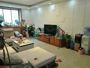 悠然房产急售绿色家园二楼,大三室,简单装修双气入户需全款