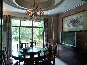 阳东花园豪华别墅、三层、800方大花园、业主急售!
