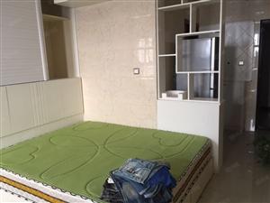 金博大西塔精装单身公寓!温馨干净