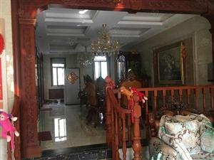急售鲁商凤凰城别墅价值360万的豪华装修,大院子仅售800万