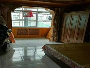 康居小区,三居室,业主着急出售,位置佳,全新的保温层