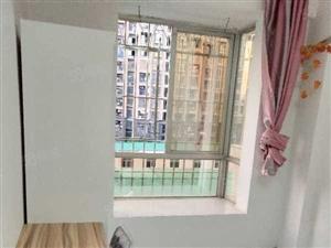 房东个人房子免介绍费艾美百货楼上一房一卫一凸窗700元多套
