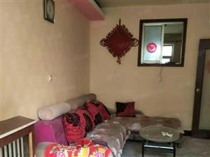 集萃苑一楼1室1厅家具家电。全减免。年付8500,真实图片。