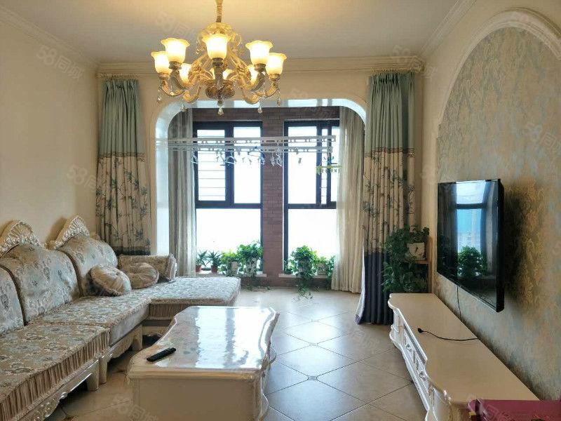 海马公园业主自住装修,欧式风格,全新家具,拎包入住