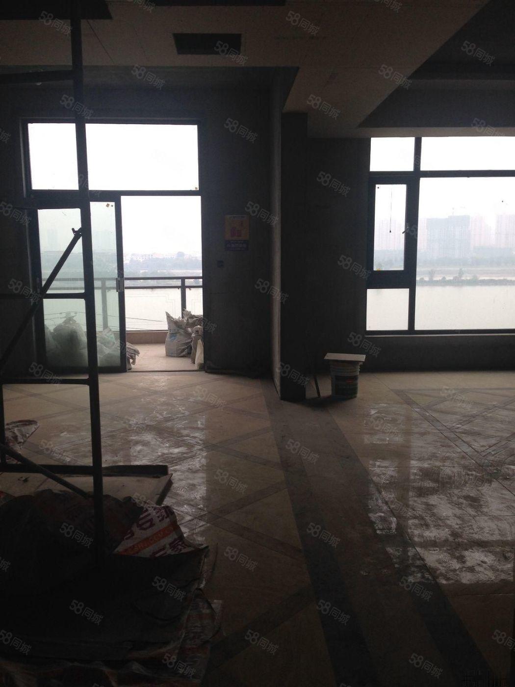 渭城明清二十三坊5室2厅3卫240平米