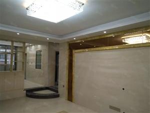 盛世佳苑138平3房2厅全新精装拎包直接入住座北朝南