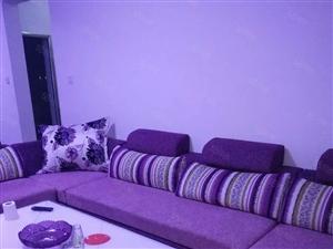 凯悦名城,三室二厅,家具家电齐全。