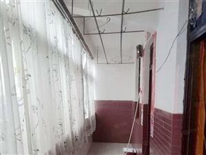 吉房位于牛角湾供电局,室内干净整洁,家电齐全